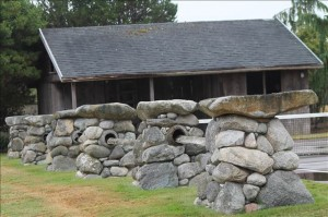 stone fireplace, stone mason, brickwork, rockwork, lopez island, san juan island, orcas island, rockwork, rumford fireplace, concrete, wood fired ovens, bake ovens, stone house, dry stone walls, stone veneer, flagstone patio bluestone patio, fieldstone, stone retaining walls, brick patio, brickwork, lime plaster, stucco, concrete counters, stone fountains, landscape stone, stone foundation, stone arch, slate roof, stone carving, architectural stonework, natural building