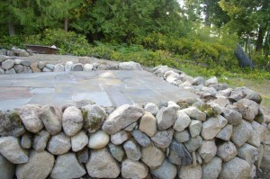 stone fireplace, stone mason, brickwork, rockwork, lopez island, san juan island, orcas island, rumford fireplace, concrete, wood fired ovens, bake ovens, stone house, dry stone walls, rock wall,  stone veneer, flagstone patio bluestone patio, fieldstone, stone retaining walls, brick patio, brickwork, lime plaster, stucco, concrete counters, stone fountains, landscape stone, stone foundation, stone arch, slate roof, stone carving, architectural stonework, rock patio natural building